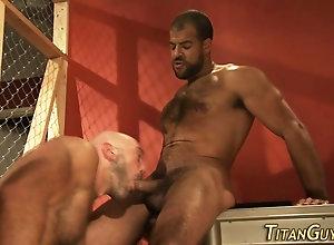 blowjob,interracial,bear,masturbation Buff bear cums...