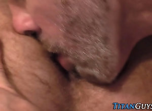hd,hunk,stud Built bear fucks...