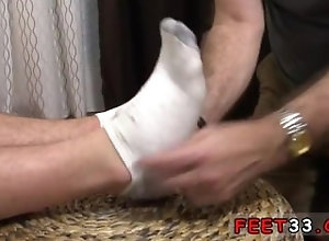 european;fetish;gay;gay-sex;gay-porn;feet;foot;toe,Euro;Gay;Creampie;Feet Nude cute guys...