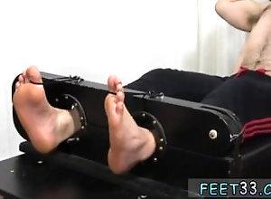 fetish;gay;gay-sex;gay-porn;feet;foot;toe,Euro;Gay;College Hairy ass crack...