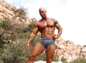 bodybuilder;posing;muscle,Muscle;Solo Male;Gay Matt L b