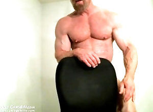 jockmenlive;muscle-daddy;tom-lord;bodybuilder;flexing;posing;huge-cock,Daddy;Muscle;Gay Muscle Master Tom...