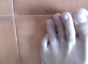 feet;master;man;erotic;bare-feet;barefoot;foot-odor,Muscle;Fetish;Gay MASTER JAX - FEET