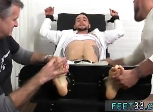 fetish;gay;gay-sex;gay-porn;feet;foot;toe,Gay;College;Handjob Men jacking on...