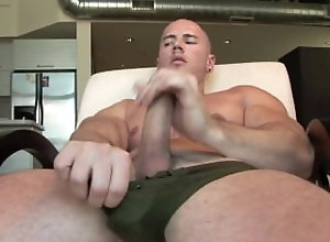 manifestmen;logan;jackoff;cumshot;muscle,Muscle;Solo Male;Gay Logan Studio 1010...