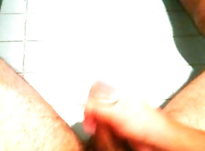 bear;hairy;guy-jacking-off;jacking-off;paja;peludo;sexy;cum;semen;cumming;corrida;creampie,Solo Male;Gay;Bear;Verified Amateurs hairy bear...