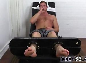 european;fetish;gay;gay-sex;gay-porn;feet;foot;toe,Euro;Gay;Feet Hot emo boys free...