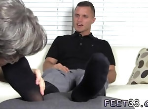 fetish;gay;gay-sex;gay-porn;feet;foot;toe,Euro;Fetish;Gay Suck toes gays...