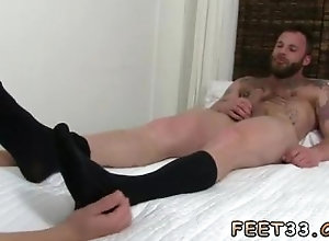 european;fetish;gay;gay-sex;gay-porn;feet;foot;toe,Bareback;Euro;Gay;Feet Gay man sex...