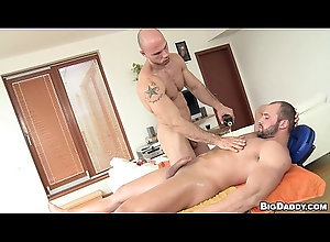 gay,massage,muscle,bareback,gay BD-RH-Tomm-Just...