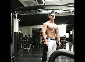 bodybuilder;muscle,Muscle;Solo Male;Gay Loic a