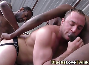 anal,fucking,public,black,group Dude gets...