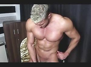 muscle;jerk-off,Muscle;Solo Male;Gay muscle man jerksoff