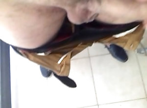 public-masturbation;solo-piss;sexy;bisexual;gay,Latino;Gay;Public Chico tabasqueño...