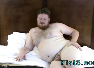 fisting;fist;ass-play;fetish;gay-porn;amateur;american;in-the-bedroom;brown-hair,Solo Male;Gay;Amateur;Compilation Fisting twink and...