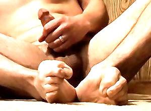 Gay,Gay Twink,Gay Masturbation Solo,Gay Feet/Foot Fetish,alexxx,solo,masturbation,foot fetish,average dick,short hair,cum jerking off,american,gay,twink Sticky Boy Feet...