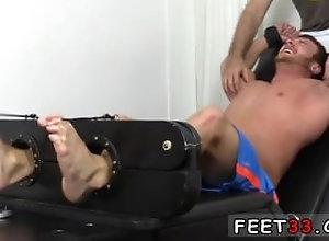 fetish;gay;gay-sex;gay-porn;feet;foot;toe,Fetish;Gay;College Gay football...