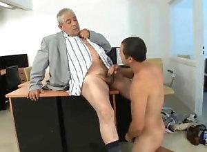 jefe;oral,Gay mamándosela al...