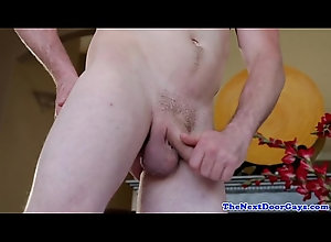 trimmed,amateur,closeup,masturbating,solo,jerking,gay,buff,stud,wanking,ripped,jock,towel,tugging,sixpack,gay Amateur jock...