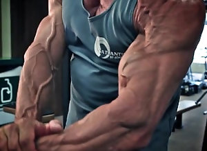 mature;bodybuilder;bodybuilding;flexing;flex;posing;veins;vascular;biceps;muscle-worship,Muscle;Solo Male;Gay;Mature Mature...