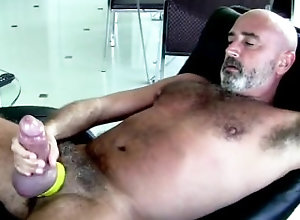 big-cock;thick-cock-daddy,Solo Male;Big Dick;Gay Thick cock daddy