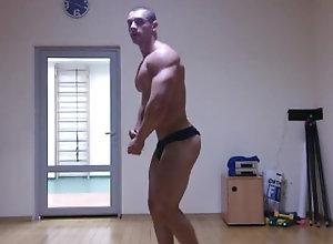bodybuilder;bodybuilding;muscles;muscular;muscle-worship;flexing;flex;posing;pose,Muscle;Solo Male;Gay Bodybuilder...