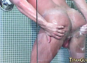 hardcore,bear,mature,shower Mature hung bear...