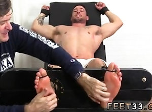 fetish;gay;gay-sex;gay-porn;feet;foot;toe,Gay;Interracial;College;Feet Arab chubby feet...