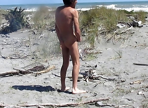 cum,gay,wanking,nudist,tease steve cums on beach