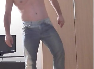 piss;pee;pissing;pipi;piscio;bagnato;wet;jeans,Fetish;Gay Piss myself in jeans