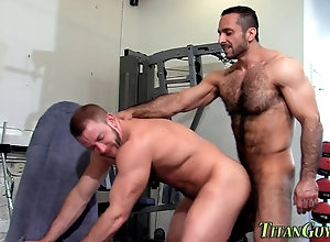fucking,sucking,doggystyle,hairy,hunk Hairy muscly hung...